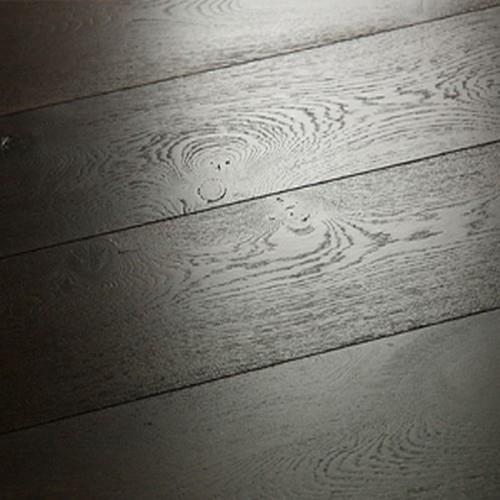A close-up (swatch) photo of the Mission Oak flooring product