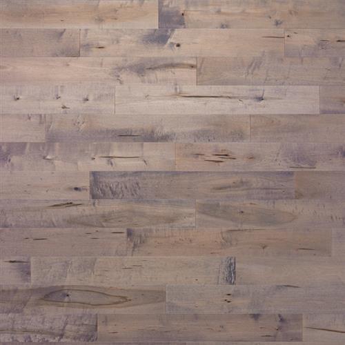 Tundra Collection Maple Armadillo